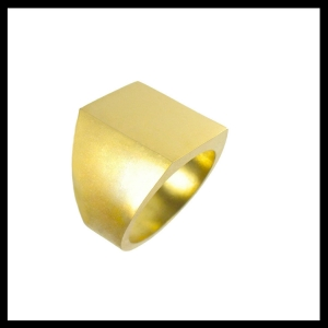 gold-signet-ring-b&w