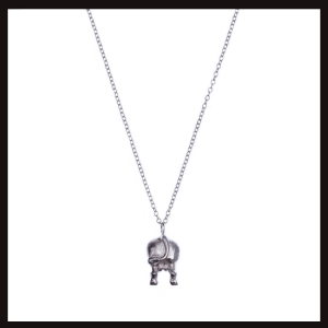 holy-cow-butt-pendant-blk-e