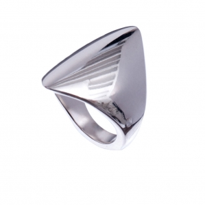 silver-pointed-signet-ring3